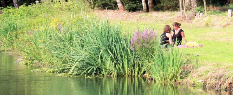 Rusten aan de waterkant bij Kasteel de Schans