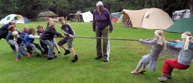 Kinder-avontuur-touwtrekken